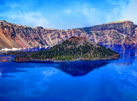 Craterlake-publicdomainPixabay