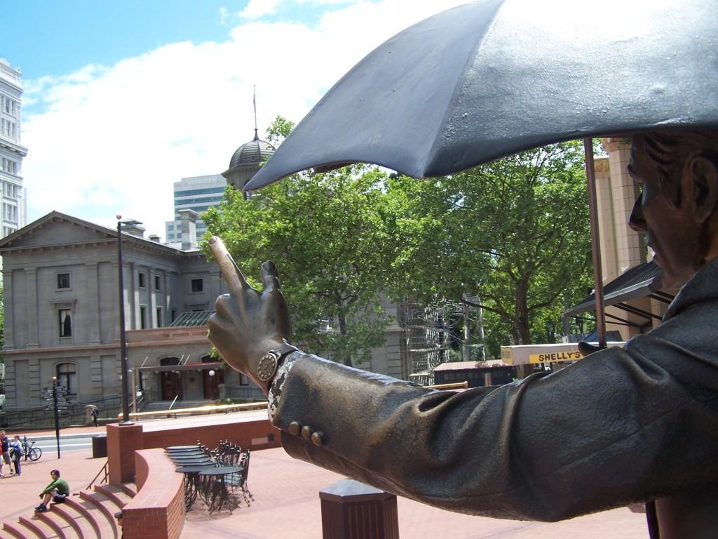 Man_with_Umbrella_Pioneer_Courthouse_Square-1024x768